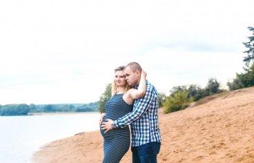 Петя и Женя на песчаном карьере, когда море любви и нежности внутри (фотосессия беременности)-616