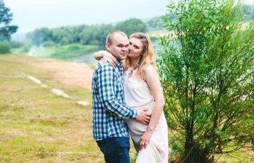 Петя и Женя на песчаном карьере, когда море любви и нежности внутри (фотосессия беременности)-627